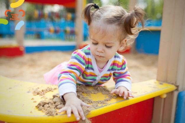Что важно знать о прогулках с малышом в летний период